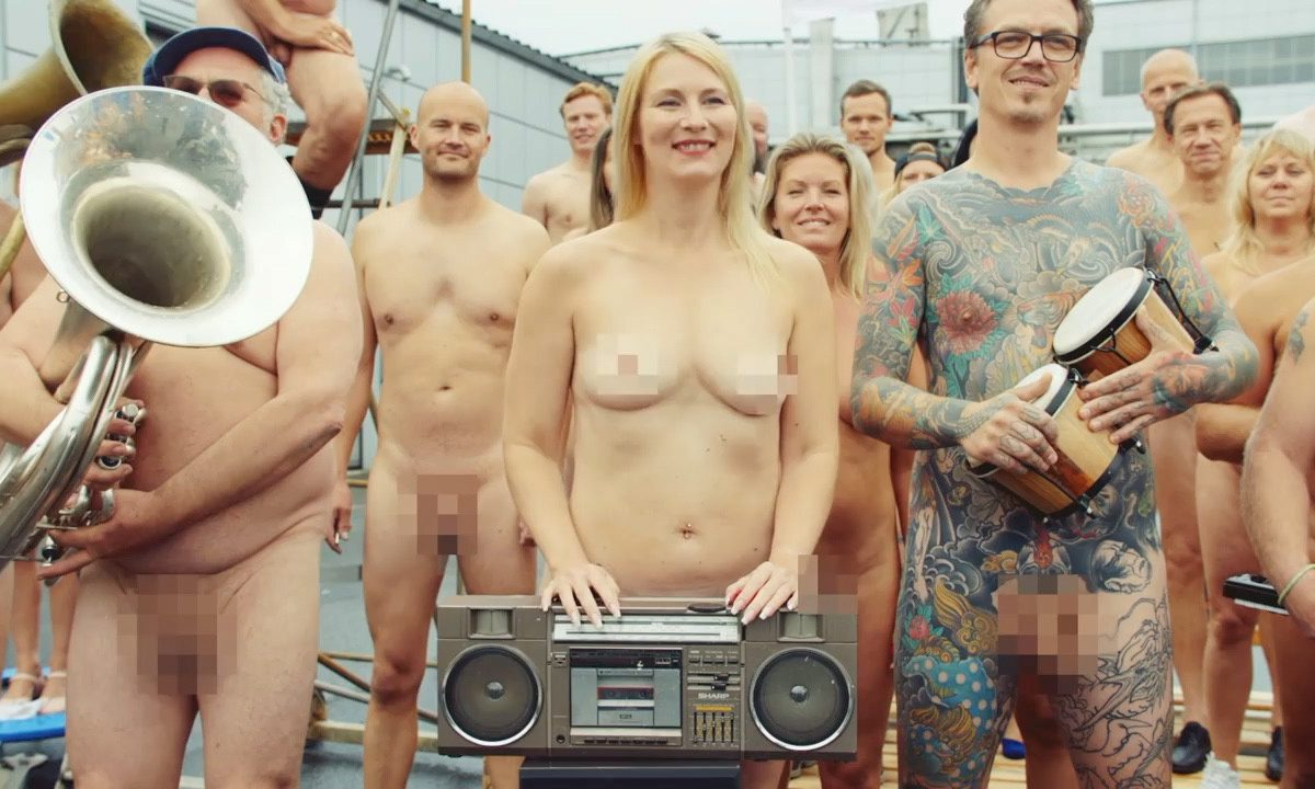 naked show